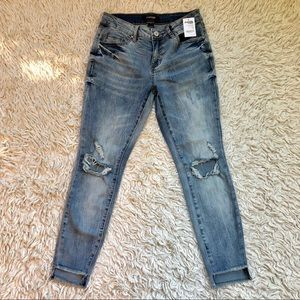 NWT Refuge Distressed Raw Hem Skinny Jean